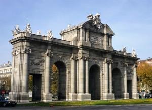 Loger chez l´habitant à Madrid: Puerta de Alcalá, sur la Place de l´Indépendance