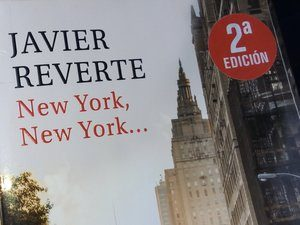 Madrid en lettres: couverture du libre New York New York de Javier Reverte