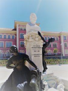 Nuestro juego Madrid Quiz: monumento a Ramón Mesoneros