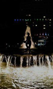 """Madrid Quiz: fuente """"El Nacimiento del Agua"""" en Plaza de España"""